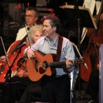 2010-pacific-symphony-pete-huttlinger-photo-by-lance